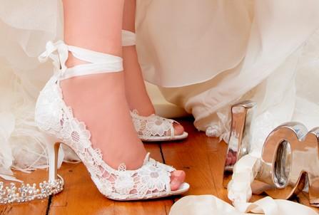 Những địa chỉ mua giày cưới