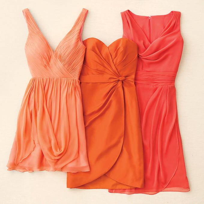 Váy phụ dâu màu cam ngắn trẻ trung
