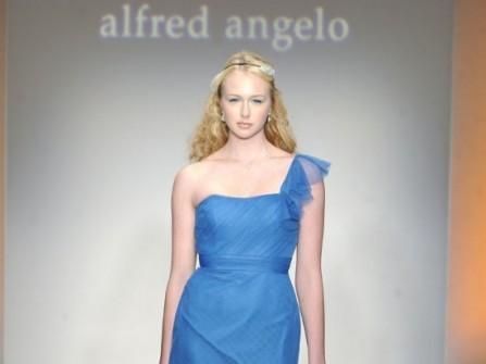 Váy phụ dâu màu xanh dương dáng dài