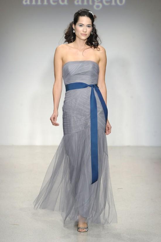 Váy phụ dâu màu xanh dương cúp ngực