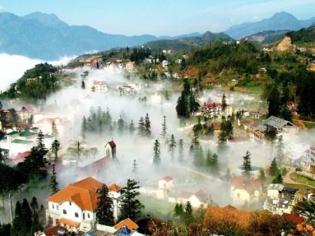 Lãng đãng trong thị trấn mù sương Sapa