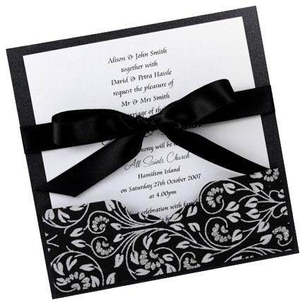 Thiệp cưới đẹp màu đen cột nơ