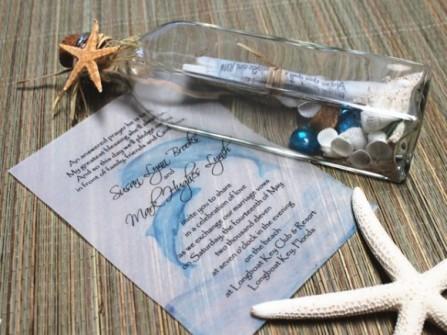 Thiệp cưới đẹp màu xanh dương in hình cá heo