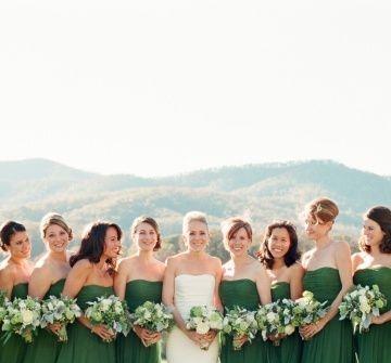 Váy phụ dâu màu xanh lá cúp ngực chân váy dài