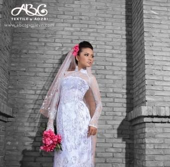Áo dài cưới ren voan trắng cúp ngực ngang