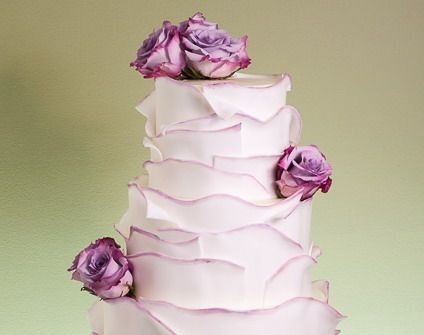 Bánh cưới theo kiểu bông hoa hồng