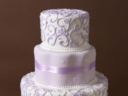 Bánh cưới màu tím nhạt tao nhã