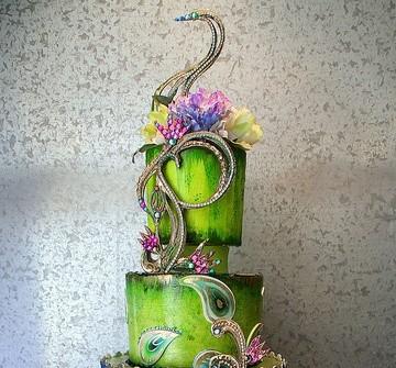 Bánh cưới màu xanh trang trí phụ kiện độc đáo lạ mắt