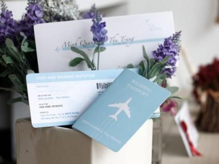 Thiệp cưới đẹp màu xanh dương phong cách du lịch