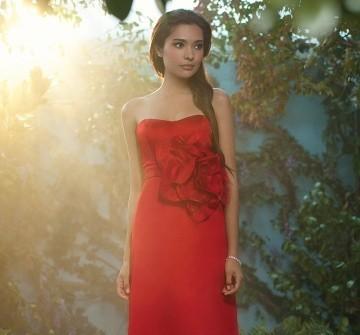Áo cưới màu cam dáng dài phom đứng