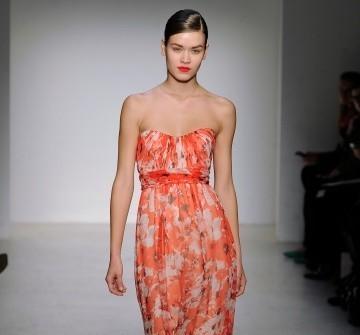 Áo cưới màu cam chất voan in hoa