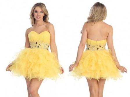 Áo cưới màu vàng ngắn trẻ trung
