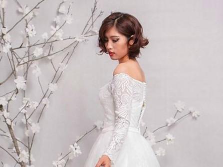 Áo cưới ngắn tay ren dài vai trễ