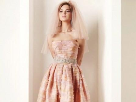 Áo cưới ngắn xếp tầng màu cam nhạt