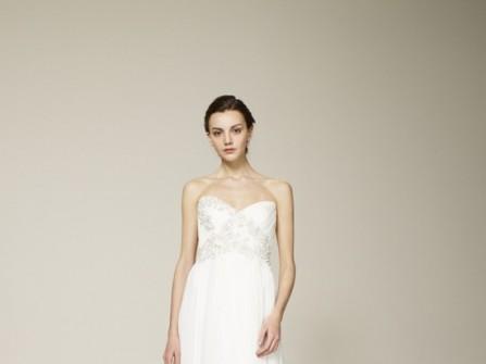 Váy cưới nữ hoàng đính kim tuyến