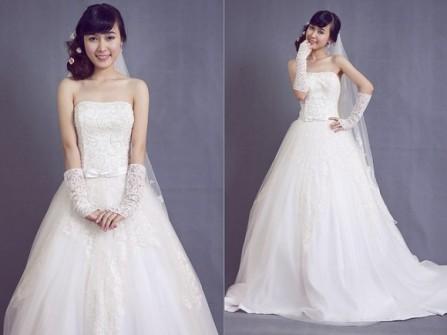 Áo cưới xòe ren trắng cúp ngực