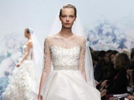 Váy cưới trắng tay lửng chân váy phồng
