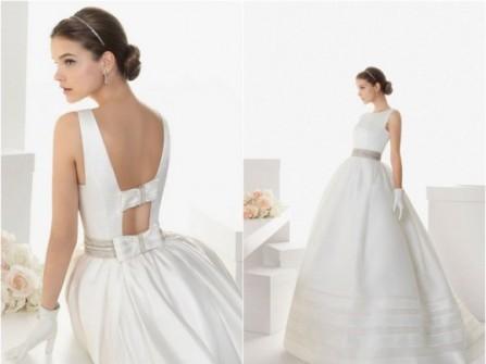 Váy cưới trắng xòe đính nơ lưng