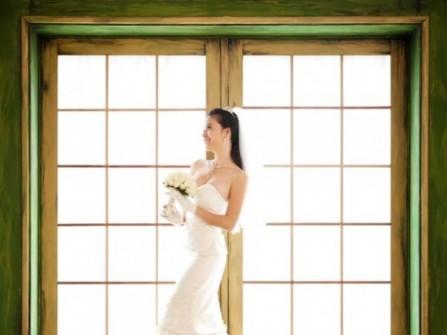 Áo cưới đuôi cá chân váy xếp tầng