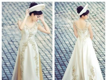 Áo dài cưới cổ tim, màu kem, thêu hoa nổi cho cô dâu