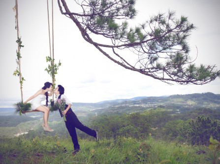Chụp ảnh cưới ở rừng thông Dasar - Đà Lạt