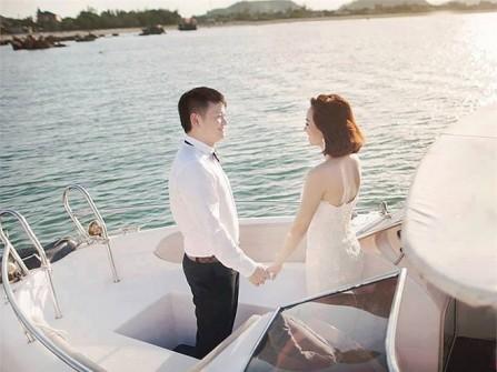 Văn Quyến lần đầu tung ảnh cưới trên biển lãng mạn