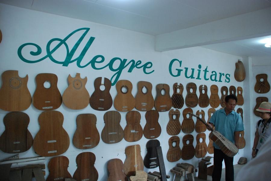 Xưởng chế tác đàn guitar Alegre