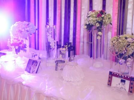 Không gian tiệc cưới lung linh của Văn Quyến - Thanh Hằng