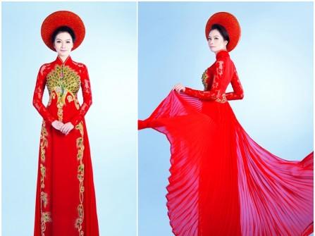 Áo dài cưới màu đỏ in hình công kim tuyến