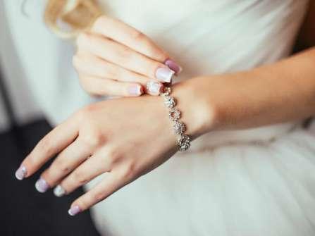 5 phong cách móng tay cưới không bao giờ lỗi mốt