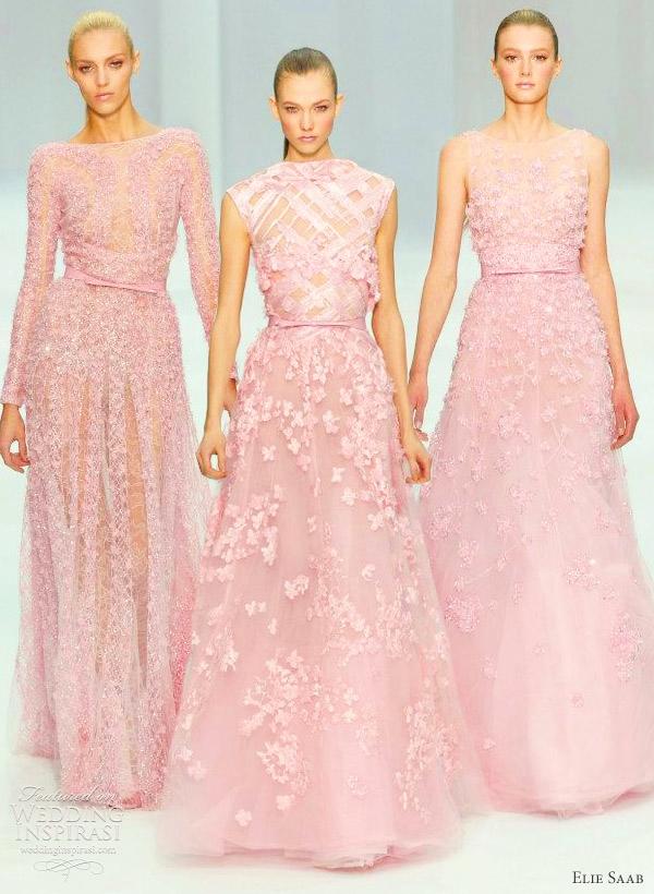 Váy cưới màu hồng ánh tím hoa ren nổi sang trọng