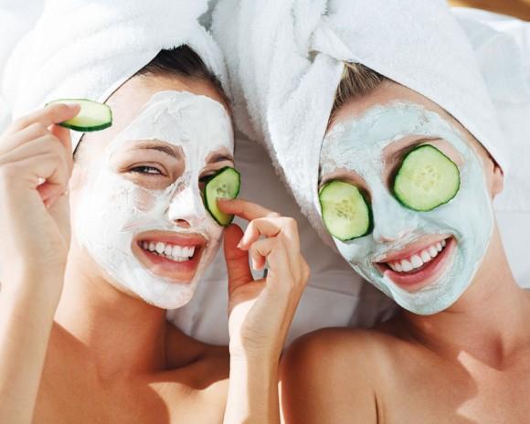 5 mặt nạ đơn giản cho các cô dâu da dầu