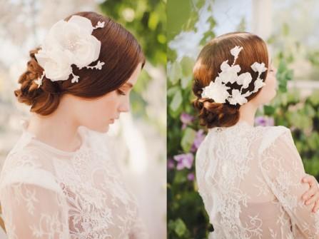 Tóc cưới búi thấp kết hợp phụ kiện hoa trắng