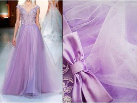 Váy cưới màu tím dáng xòe cúp ngực kết ren
