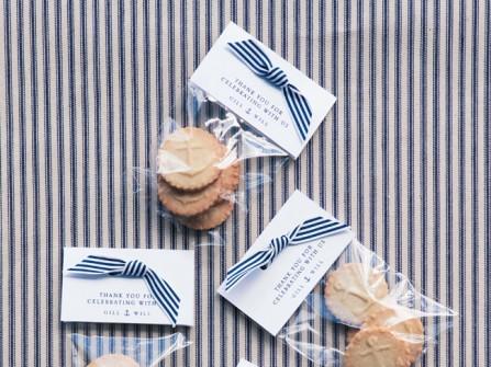 Quà cảm ơn khách mời: Bánh quy in hình thơm ngon