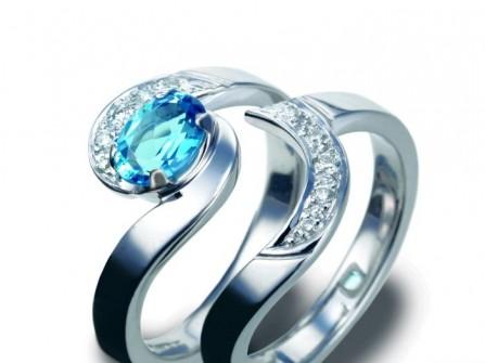 Nhẫn cưới vàng trắng đính ngọc biển xanh tuyệt đẹp