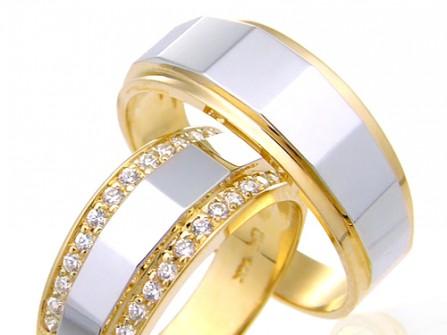 Nhẫn cưới vàng kết hợp vàng trắng viền kim cương