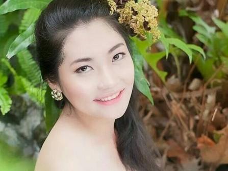 Áo cưới Cô dâu xinh