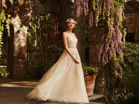 Váy cưới mùa xuân nhẹ nhàng từ BHLDN 2015