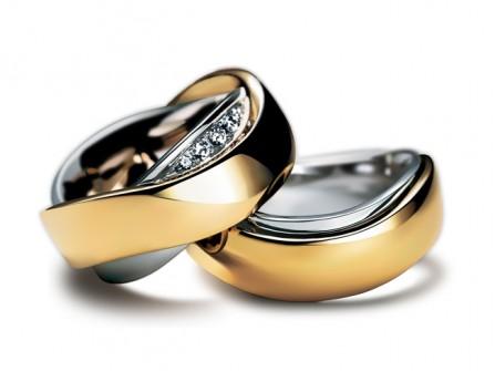 Nhẫn cưới vàng uốn lượn kết hợp vàng trắng tinh tế