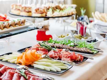 Làm mới thực đơn tiệc cưới với những món ngon nổi tiếng