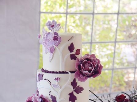 Bánh cưới bốn tầng hoa tím 3D