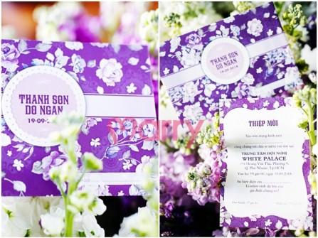 Thiệp cướp đẹp màu tím in hoa trắng sang trọng
