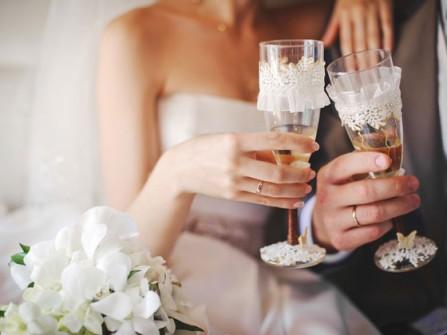 Chọn mua nhẫn cưới: Cổ điển luôn hợp thời