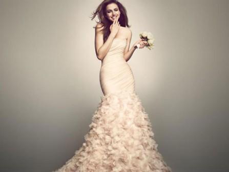 Váy cưới đẹp đuôi cá màu kem cúp ngực