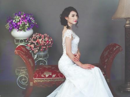 Váy cưới đẹp thiết kế đuôi cá phối ren hoa sang trọng