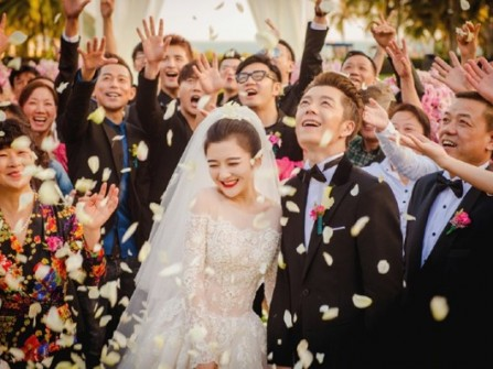 Tổ chức đám cưới kiểu mới