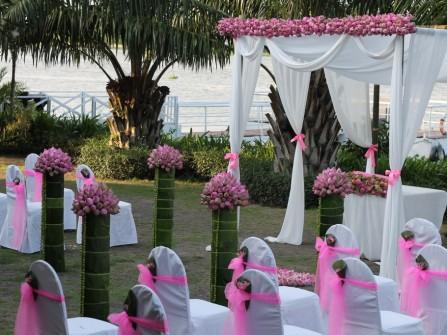Tiệc cưới ngoài trời - Xu hướng đám cưới mùa hè 2015
