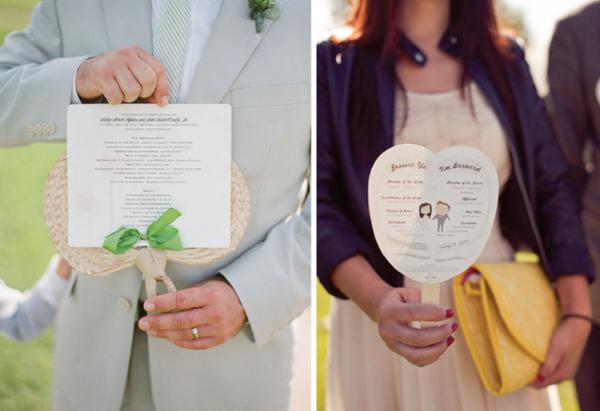 Quà cảm ơn khách mời: Quạt giấy có in thông tin về lễ cưới