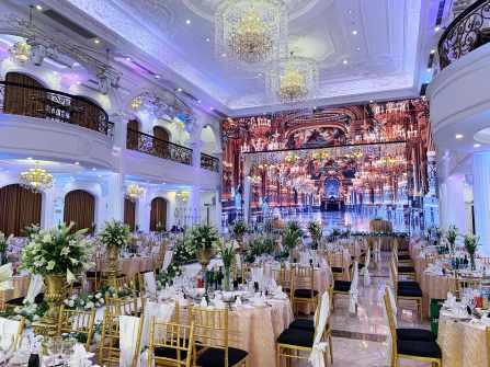 Trung tâm tổ chức tiệc cưới - hội nghị & sự kiện Queen Bee